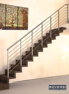 Scala a sbalzo con ringhiera e utilizzo di gradini con spessore variabile da 40 a 80 mm. - creazioni serie Design
