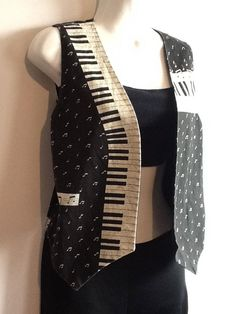 1980's vest, piano keyboard and music notes, size medium. $30.00, via Etsy. nIf ONLY it were XL...