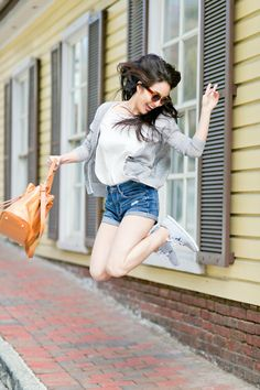 Get this look: http://lb.nu/look/8192749 More looks by Kimberly Kong: http://lb.nu/sensiblestylista Items in this look: Madewell Gray Cardigan, Ora Delphine Bucket Bag, Aeropostale High Waisted Shorts, Vans Sneakers #casual #chic #classic #asian #korean #madewell #aeropostale #bucketbag