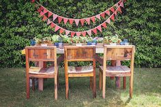 red and blue table decor