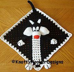 Crochet Baby Design Ravelry: Sylvester Lovey Blankie pattern by Knotty Hooker Designs. Crochet Security Blanket, Crochet Lovey, Crochet Amigurumi, Lovey Blanket, Cute Crochet, Crochet Motif, Baby Blanket Crochet, Crochet For Kids, Crochet Crafts