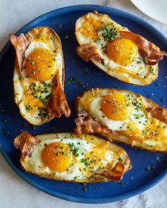 Twice Baked Breakfast Potatoes www.spoonforkbaco… Twice Baked Breakfast Potatoes www. Breakfast Potatoes, Breakfast Dishes, Healthy Breakfast Recipes, Healthy Snacks, Healthy Eating, Healthy Recipes, Breakfast Casserole, Fun Breakfast Ideas, Bacon Breakfast