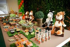 Zoo/Safari party theme ~ Party Frosting