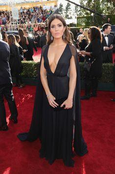 Mandy Moore in a Naeem Khan dress at 2017 Golden Globes