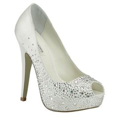 Zapato de tacon con detalles de piedritas brillosas.