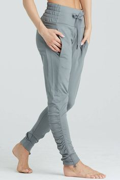 What is true is that your look will be on fire when you rock these pants. Dope Fashion, Sport Fashion, Fashion Pants, Fashion Outfits, Swag Fashion, Fashion Ideas, Sporty Outfits, Cute Outfits, Scrubs Outfit