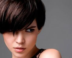 Tendenze tagli #capelli Autunno-Inverno 2012-2013: il ritorno trionfante della #frangia!    http://www.amando.it/bellezza/capelli/tendenze-tagli-capelli-autunno-inverno-2012-2013.html