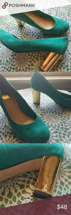 DV Dollie Teal Suede Pumps Eye catching Dv by Dolce Vita pumps. These are suede, beautiful teal color and the heel is gold tone plated!! Condition: A couple small marks on the suede, pictured. some scratches on the heels, pictured Retail: $120.00 Size: 6.5 M In love with these shoes?..Make an offer, or add to a bundle and I will send you a personal offer! QUICK SHIPPER! Dolce Vita Shoes Heels