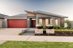 WA Country Builders provides the better building experience to residents of country WA. Most awarded builder in regional WA & builders of the Telethon home. House Outside Design, House Gate Design, House Front Design, Bungalow Haus Design, Modern Bungalow House, Contemporary House Plans, Modern House Plans, Country Builders, House Plans South Africa