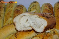 Painici cu mac Hot Dog Buns, Hot Dogs, Mac, Bread, Brot, Baking, Breads, Buns, Poppy