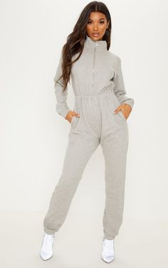 Grey Funnel Neck Zip Up Loop Back JumpsuitWe are totally obsessing over this jumpsuit. Grunge Outfits, Casual Outfits, Fashion Outfits, Travel Clothes Women, Clothes For Women, Outfit Trends, Style Casual, Funnel Neck, Jumpsuits For Women