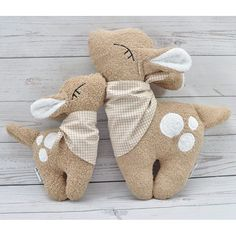 Felt Animal Patterns, Stuffed Animal Patterns, Handmade Stuffed Animals, Little Presents, Fabric Animals, Fabric Toys, Sewing Toys, Cute Crafts, Diy Toys