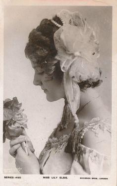 Postcard Actresses Lily Elsie