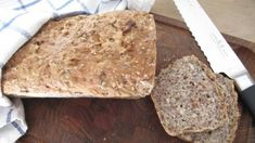 Easy bread to bake. Instruction in norwegian. Pastry Recipes, Bread Recipes, Vegan Recipes, Norwegian Food, Scandinavian Food, Easy Bread, Bread Baking, Love Food, Baked Goods