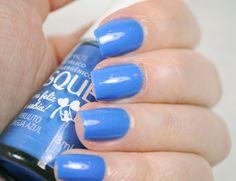 esmalte pirulito língua azul da coleção eu era feliz e sabia da risqué, esmalte azul, esmalte cremoso