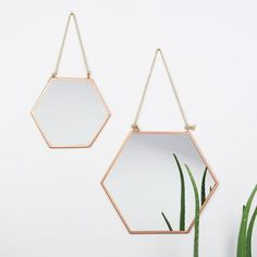 Small Geometric Copper Mirror, Home Accessories, Looking for a new mirror? This hanging geometric copper mirror is just what you need. Get it from Lisa Angel with Free Worldwide Delivery on Every Ord. Copper Mirror, Copper Metal, Copper Color, Mirror Mirror, Rose Gold Mirror, Metal Mirror, Copper Home Accessories, Wall Accessories, Kitchen Accessories