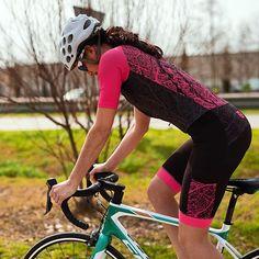 Coral reef fever 💝🍬 🎀#taymorybike #bikeit #bikeporn #wearpink #pinklady #pinky #pinkdesign #pinkfever #fashion #fashionforher #cycling #cyclistlover #bike #road #wearyourdreams #chaseyourdreams #taymory Pink Lady, Chase Your Dreams, Pink Design, Cycling, Bicycle, Coral, Photo And Video, Girls, Instagram