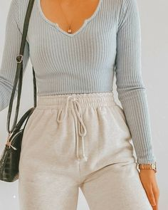 Winter Dress Outfits, Casual Dress Outfits, Basic Outfits, Casual Summer Dresses, Fashion Outfits, Cute Comfy Outfits, Mode Inspiration, Fashion Inspiration, Fashion Ideas
