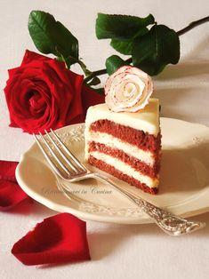 Ritroviamoci in Cucina: Red Velvet (Senza Glutine) con Frosting al Cioccolato Bianco e Formaggio Cremoso... e un'idea decoro