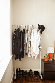 Simplify your wardrobe. Minimalist style. Black and white.