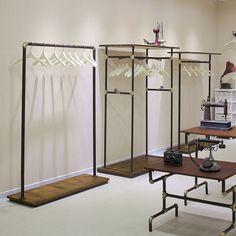 Giá kệ thời trang là sản phẩm thiết yếu không thể thiếu ở các shop thời trang từ nhỏ tới lớn, mẫu gia treo bằng ống nước trang trí rất…