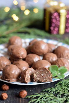 Pralinki a la Ferrero Rocher – Smaki na talerzu Sweet Recipes, Cake Recipes, Dessert Recipes, Desserts, My Favorite Food, Favorite Recipes, Chocolate Photos, Polish Recipes, Ferrero Rocher