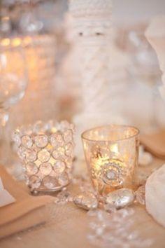 <3 IDEIA ! copos em tons suaves e velas... perfeito!