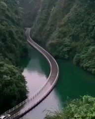 Would you want to drive on this bridge? Descubra os melhores lugares para viajar no mundo Beautiful Places To Travel, Wonderful Places, Places Around The World, Around The Worlds, Vacation Places, Amazing Nature, Wonders Of The World, Adventure Travel, Travel Trip