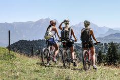 Genussradler, E-Biker, Familien & ambitionierte Mountainbiker finden im Salzburger Saalachtal ein schier endloses und absolut abwechslungsreiches Biker-Streckennetz. 🚴 .  Wer einmal die einzigartige Berglandschaft im Saalachtal für sich entdeckt hat, an rauschenden Bächen und glasklaren Flüssen vorbei, durch saftige Almwiesen und durch grüne Wälder geradelt ist, wird dies immer mit einer unvergessichen Zeit und einem traumhaften Erlebnis in Verbindung bringen. 💭… E Biker, Radler, Mountains, Nature, Mountain Landscape, Families, Hiking, Vacation, Naturaleza