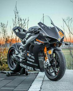- Ducati Motor Holding S. Moto Ducati, Ducati Motorbike, Motorcross Bike, Motorcycle Dirt Bike, Motorcycle Images, Futuristic Motorcycle, Scooter Bike, Moto Bike, Diavel Ducati