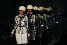 Burberry's Beijing Runway Show Features Holographic Models [Video] - PSFK | Fashion Technology Designers & Startups | Scoop.it