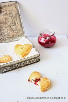 Herz Hand Pies von Sweets and Lifestyle #ichbacksmir #frühstück #breakfast