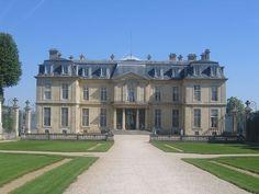 Façade sud du château de Champs-sur-Marne.
