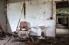 一度見たら頭から離れない廃墟化した精神病院の写真シリーズ「American Asylums」 - DNA