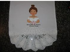 Maguiartes Pinturas: BONECAS TIRADAS DA NET Crochet Flower Tutorial, Crochet Flowers, Paper Flowers, Napkins, Crafty, Tableware, Ariel, Biscuit, Amanda
