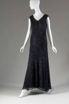 Evening Dress - Coco Chanel, - The Chicago History Museum Chanel Little Black Dress, Perfect Little Black Dress, Sequin Evening Gowns, Evening Dresses, 1930s Fashion, Vintage Fashion, Vintage Couture, Chanel Fashion, Vintage Chanel