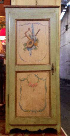 Bonneti re louis xv for Faux fini antique meuble