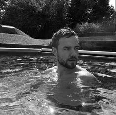 Liam payne, one direction, and black and white image Liam James, Liam Payne, Liam 1d, Louis Tomlinson, Rebecca Ferguson, Nicole Scherzinger, Niall Horan, Harry Styles, Black And White Aesthetic