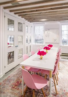 Pretty in pink office space: Tips and Tricks for Decorating in a Small Office Sp. - Home Decor Design Home Office Chairs, Home Office Furniture, Home Office Decor, Home Decor, Decorating Office, Office Ideas, Decorating Ideas, Feminine Office Decor, Pink Office Decor
