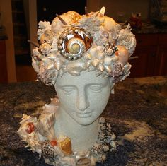 Seashell Goddess Diana by AnneReaDesigns on Etsy Seashell Art, Seashell Crafts, Beach Crafts, Diy And Crafts, Seashell Wreath, Art Crafts, Mosaic Crafts, Mosaic Art, Mosaics