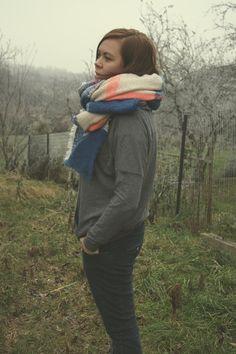 scarf - Pull&Bear sweatshirt - Bershka pants - Rage Age http://www.millenniumagelifestyle.com/2014/12/the-house-of-rush.html