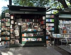Sidewalk libreria, Buenos Aires. Actually this is a newspaper stand, they have them all over the city.