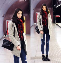 Get this look: http://lb.nu/look/7182006  More looks by Nora Aradi: http://lb.nu/norya  Items in this look:  Choies Sweater, Choies Jeans, Choies Coat, Front Row Shop Bag   #formal #street #spring