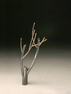 Branching 2008-5, pin, sterling silver, gold-filled wire  sold     Kye-Yeon Son  Branching Out