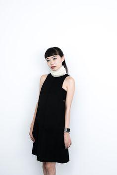 市川渚さん ワンピース:7,490円 ネックウォーマー:1,190円(H&M STUDIO A/W 2015)...