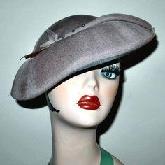 Vintage 1940s Grey Wool Felt Hat w Rhinestones by Doeskin