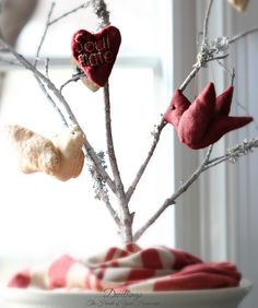 DWELLINGS-The Heart of Your Home: A Valentine Tree for My Sweetheart