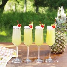 Piña Colada Mimosas This is the perfect drink to sip beachside (or poolside) this summer. The post Piña Colada Mimosas appeared first on Champagne. Fancy Drinks, Cocktail Drinks, Alcoholic Drinks, Beverages, Bar Drinks, Drink Bar, Bourbon Drinks, Refreshing Drinks, Summer Drinks