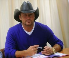 """Tim McGraw Photos - Tim McGraw attends the book launch of his """"My Little Girl"""" at Barnes & Noble Booksellers, Fifth Avenue on October 2008 in New York City. - Tim McGraw Signs His Book """"My Little Girl"""" At Barnes & Noble Male Country Singers, Country Music Artists, Country Music Stars, Southern Girl Lyrics, Southern Girls, Southern Belle, Tim Mcgraw Faith Hill, Tim And Faith, Florida Georgia Line"""