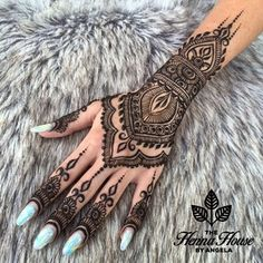 Private appointments are perfect for anyone who wants a unique and detailed design for any occasion! Most individuals book private appointments to enjoy a ... Pretty Henna Designs, Finger Henna Designs, Henna Designs Easy, Tattoo Designs For Girls, Mehndi Designs, Tribal Designs, Bridal Henna Designs, Wedding Henna Designs, Henna Tattoo Designs Arm
